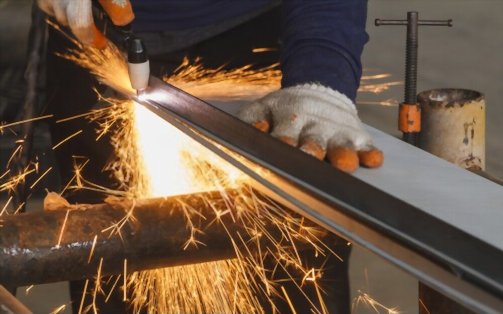 Best Budget Plasma Cutter under $500 (2021 Updated)